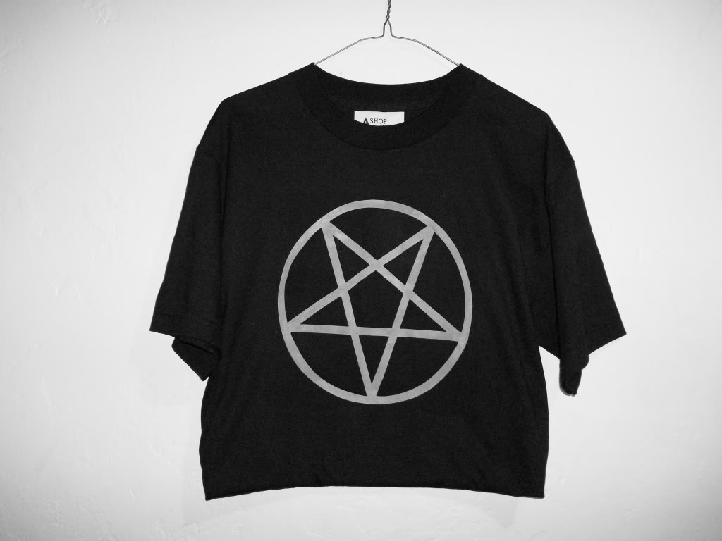 Shopwithasianstereotypes: pentagram cropped top