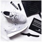 shoes,nike,grey,beautiful,roshe runs,need!,help me find,those shose