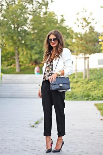 fashionhippieloves blogger jacket sunglasses jewels bag
