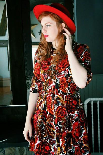 secret garden blogger dress hat floral dress necklace