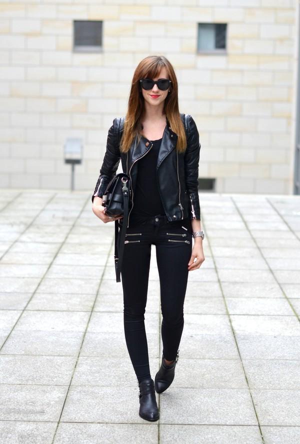 vogue haus blogger jacket jeans bag jewels sunglasses black jeans