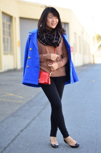daily disguise blogger scarf pea coat ballet flats red bag