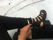 shoes,black,sandals,heels,stripes,black shoes,leather,ripped