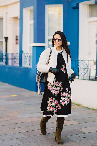 tanvii blogger jacket dress shoes bag sunglasses scarf gloves midi dress bomber jacket boots green boots