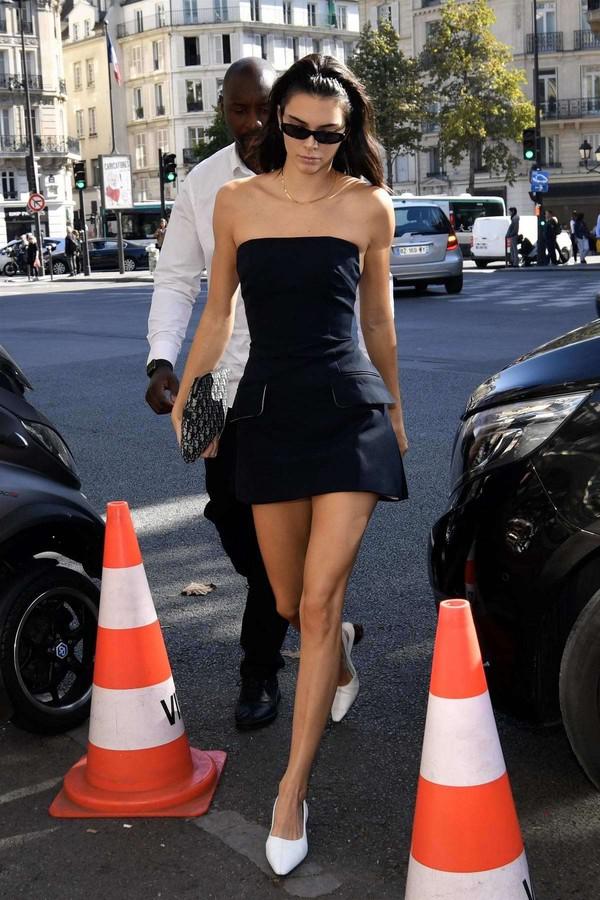 dress fashion week streetstyle kardashians kendall jenner strapless mini dress