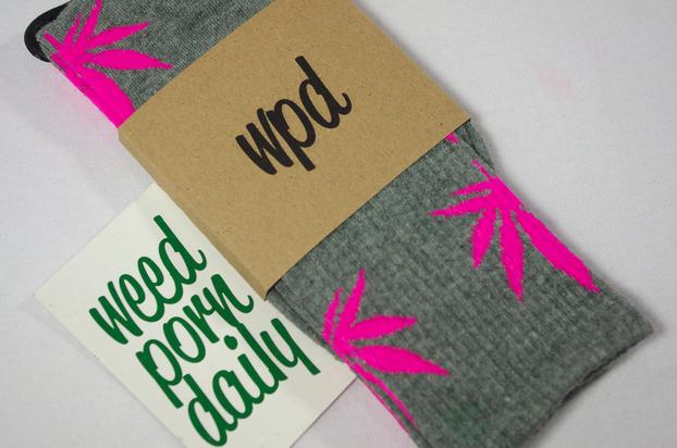 Plantlife Weed Socks - Grey & Pink