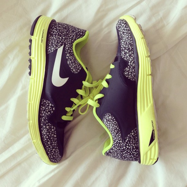 shoes sneakers nike fashion swag style perfect sportswear sportive colored nike running shoes black neon yellow neon green nikes free runs nike free run 5.0 pretty cute lovely print print running running sneakers