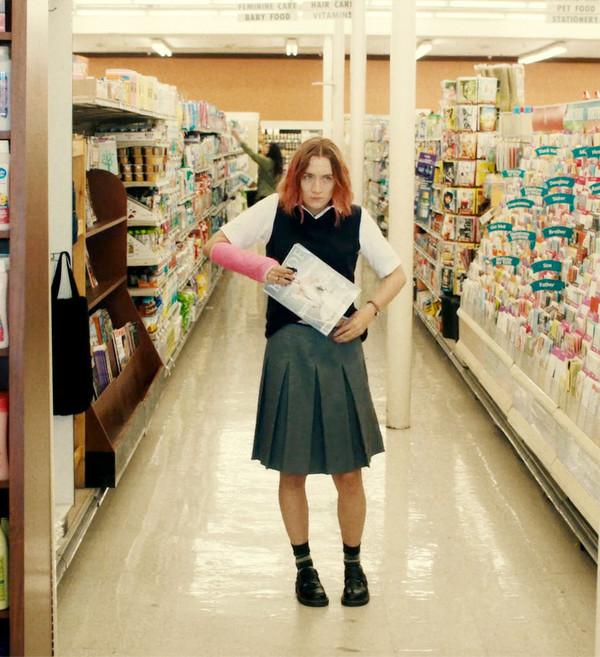 skirt movie lady bird saoirse ronan celebrity midi skirt grey skirt pleated pleated skirt vest school uniform school girl