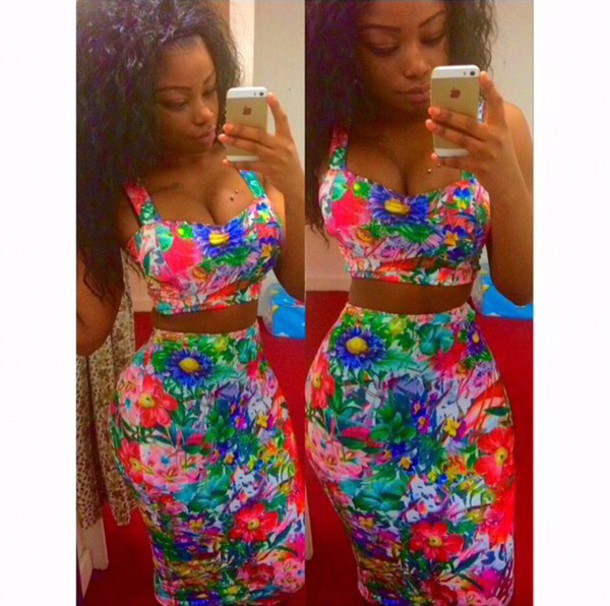 dress two-piece two piece dress set two-piece floral dress fashion skirt bustier crop tops curly hair colorful floral bodycon black girls killin it boobs flowers