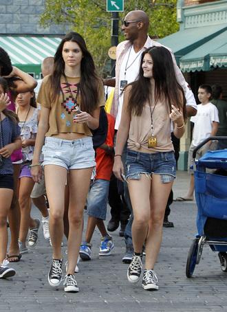 t-shirt top shorts blue denim hipster hippie crop tops kylie jenner kendall jenner