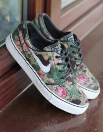 shoes nike shoes flowered flowers print beautiful beautiful shoes