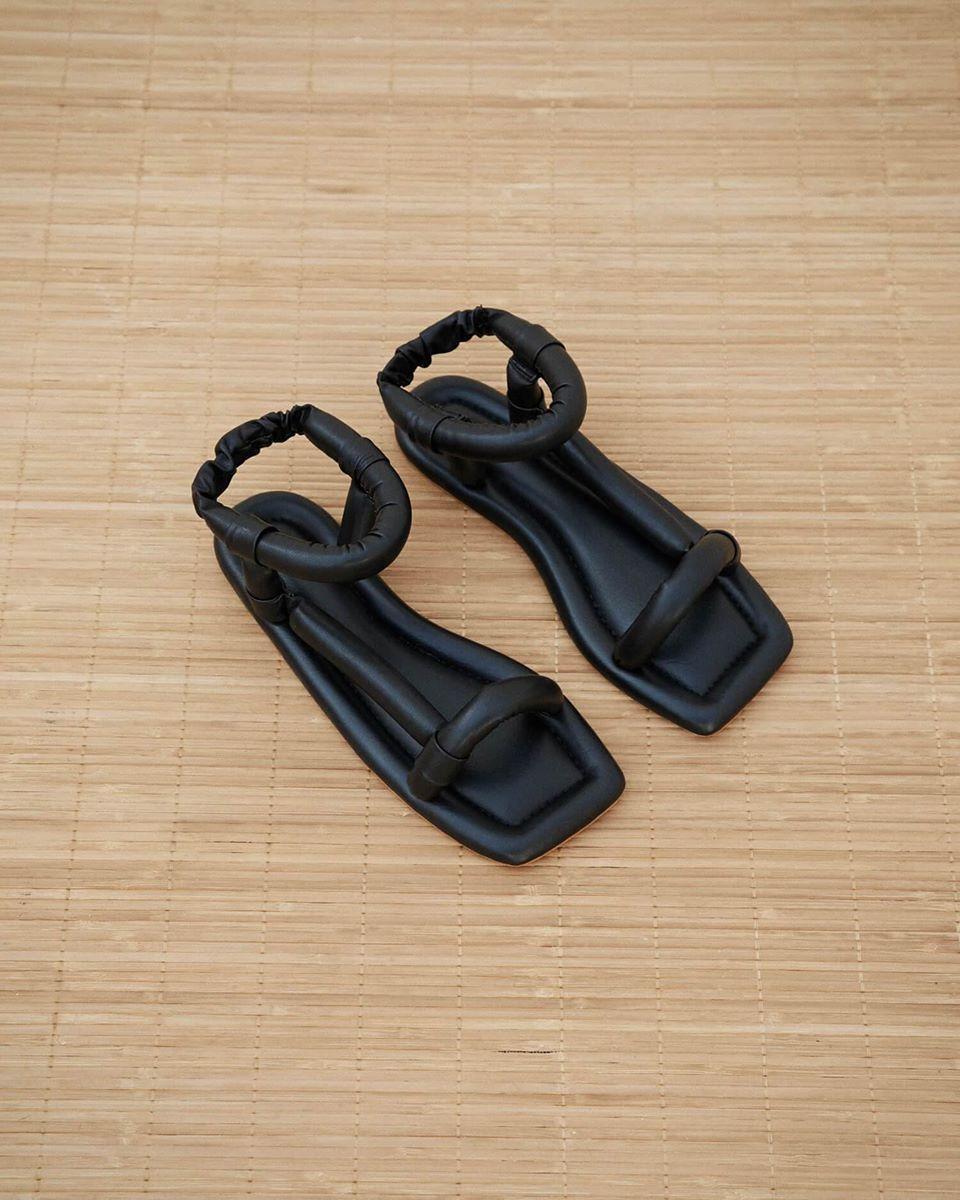 YOLA - Puffed shape flat sandals