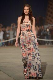 dress,maxi dress,bella hadid,runway,model,choker necklace,jewels,necklace,jewelry