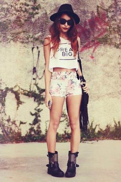 shorts hat floppy hat sunnies floral shorts high-waisted shorts crop tee cross body bag dream big pretty girl clothes floral vintage indie shirt bag shoes black studded cute boots flowers highwaisted shorts high waisted shorts sunglasses crop top, white