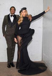dress,gown,black dress,red carpet dress,beyonce,Jay Z,hat