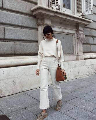 pants tumblr white pants wide-leg pants top white top bag brown bag shoes net net tights tights fishnet tights sunglasses python shoes snake shoes work outfits office outfits