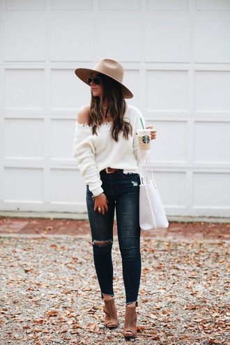 fashionably kay blogger sweater shoes hat bag jewels felt hat white sweater tote bag ankle boots fall outfits