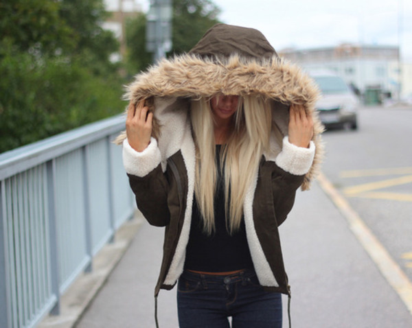 jacket brown white fur coat cappotti green dress military style army green jacket blonde hair verde giacca fashion streetwear streetstyle style winter coat winter jacket warm