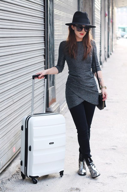elodie in paris blogger dress jeans shoes bag hat sunglasses jewels