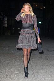 dress,karlie kloss,celebrity,model off-duty,fall dress,fall outfits