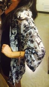 top,kimono,black and white,black and white kimono,white and black kimono,bird print,bird pattern,floral pattern,floral,white and black floral print kimono,floral print kimono,floral pattern kimono,bird print kimono,bird pattern kimono,white and black floral bird print kimono