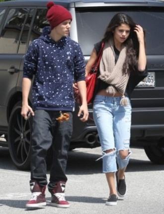 scarf selena gomez jeans shirt