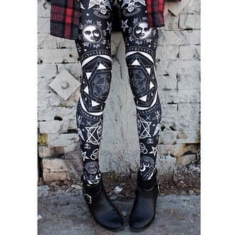 pants leggings black white pattern stars symbols