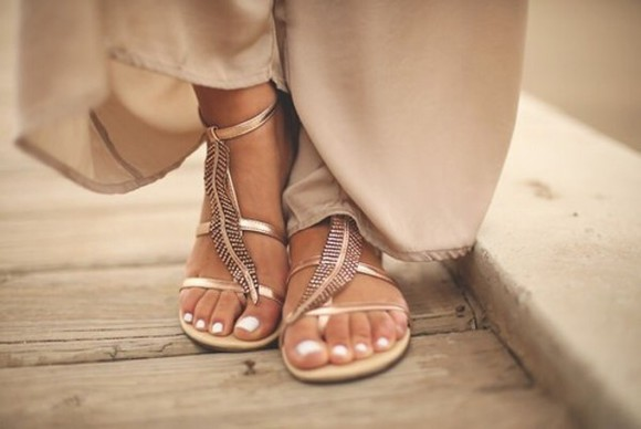 plume hippie nail polish shoes gold toes out nails classy cool girl style elegant sandals tan traps leaf feathers cute shoess