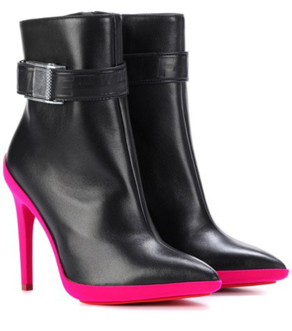 Off-White Leather ankle boots in black