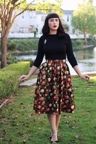 southerncaliforniabelle blogger top skirt shoes make-up fall sweater fall outfits retro midi skirt printed skirt