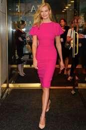 dress,karlie kloss,midi dress,model off-duty,pumps,celebrity