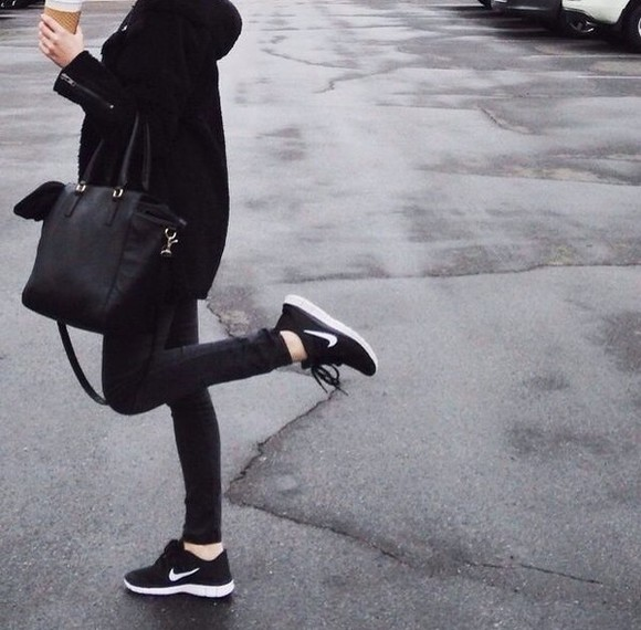 shoes bag skinny jeans black bag black coat black jeans