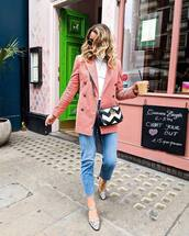 jacket,blazer,double breasted,turtleneck,jeans,sandals,round sunglasses,crossbody bag