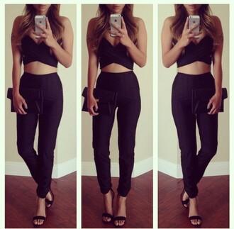 top purse black purse heels black tank top black tank wavy hair long hair blonde hair black outfit fashion