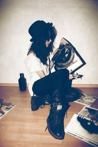 hat black black hat hipster vintage shoes tumblr grunge