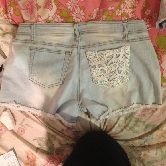 Hot kiss lace crochet white denim shorts 12 from alice's closet on poshmark