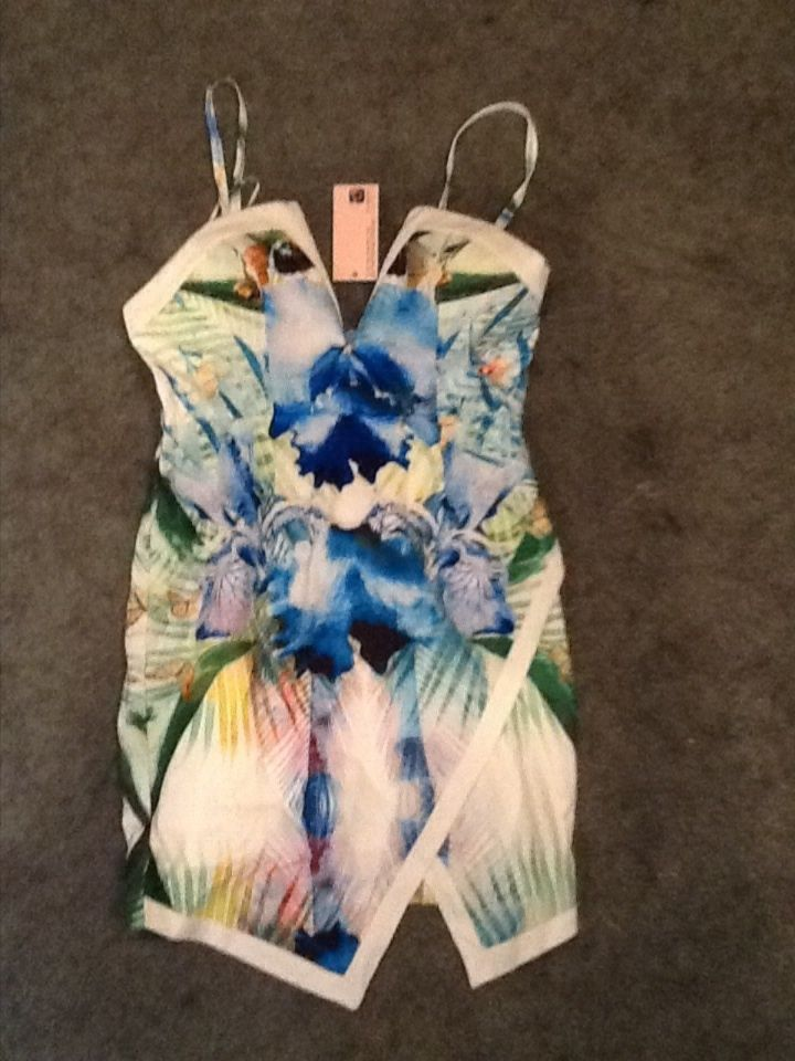 Multicolor tropical assymetrical showpo plunge dress size 8 ( us size small)