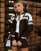 make-up,makeup palette,mini,mini skirt,leather skirt,jacket,cowgirl,shoulder bag,earrings