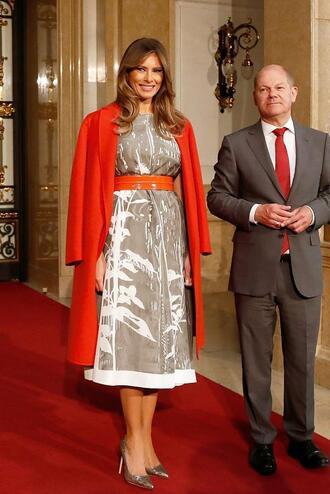 dress melania trump midi dress red coat first lady outfits coat