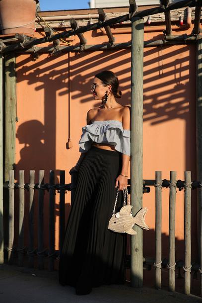 top ruffled top tumblr blue top ruffle crop tops skirt maxi skirt pleated pleated skirt bag earrings