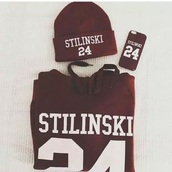 hat,teen wolf,stiles stilinski,burgundy,burgundy sweater,sweater,red,dylano'brien,stiles stillnski,teen wolf stiles,bordeaux sweater,24,shirt,beanie,24 stilinski