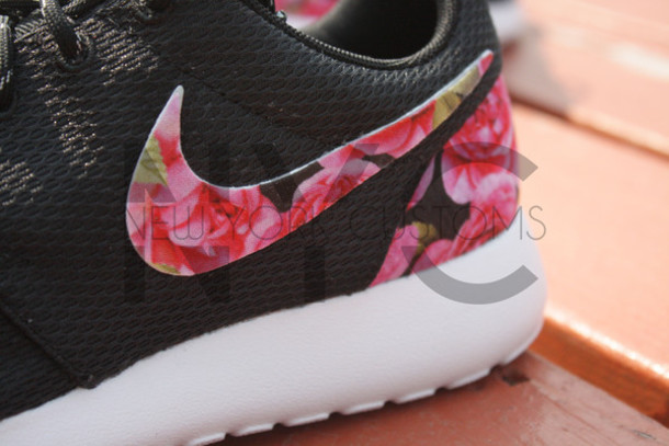 59d9efb392d59 shoes nike nike roshe run nike roshe run floral floral rose roses black  pink running women