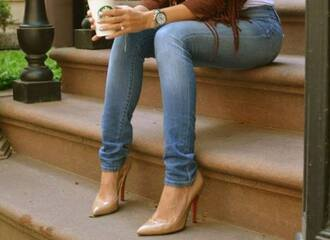 shoes pumps beige beige pumps classic classy stylish style fashion sexy streetwear heels beige heels jeans starbucks coffee