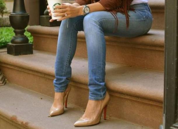 shoes pumps beige beige pumps classic classy stylish style fashion sexy streetwear streetstyle street heels beige heels jeans starbucks coffee starbucks coffee