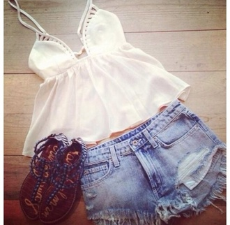 shirt tank top clothes american eagle outfitters scarf shoes t-shirt sweater white tank top