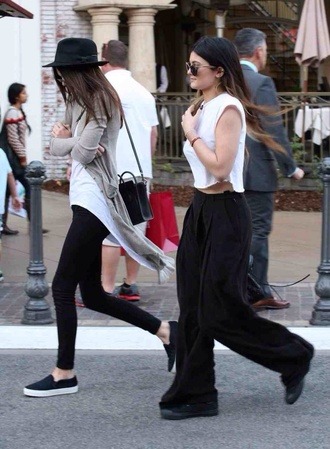 kendall jenner top loose white top converse kylie jenner t-shirt california pants
