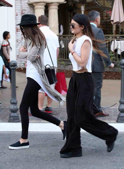 kylie jenner kendall jenner top loose white top converse t-shirt california