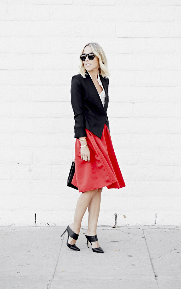 damsel in dior blogger top jacket bag jewels