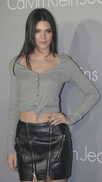 skirt kendall jenner top calvin klein jewelry necklace grey top black leather skirt kendall jenner jewelry keeping up with the kardashians model off-duty model evil eye