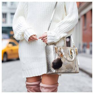 bag tumblr silver silver bag bag accessoires fur keychain metallic dress sweater dress mini knit dress knitwear knitted dress boots white knit dress ring gold ring jewels jewelry gold jewelry